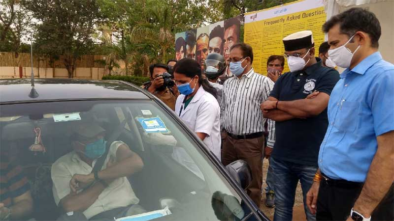 Innovation: 'Drive in vaccination' starts in Bhopal