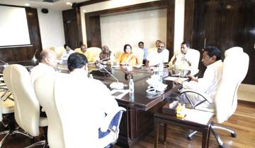 मुख्यमंत्री श्री कमल नाथ ने मंत्रालय में केन्द्रीय अनुसूचित जाति आयोग के अध्यक्ष एवं सदस्यों के साथ बैठक की।