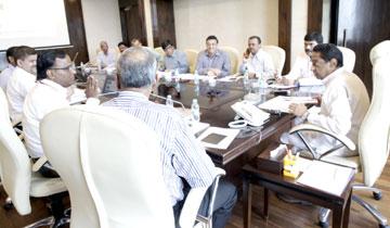 मुख्यमंत्री श्री कमल नाथ ने मंत्रालय में भारत सरकार की कंपनी खनिज उत्खनन निगम के अधिकारियों के साथ बैठक की।