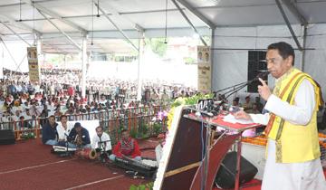 मुख्यमंत्री श्री कमल नाथ ने अंतर्राष्ट्रीय आदिवासी दिवस पर छिंदवाड़ा में राज्य स्तरीय समारोह को संबोधित किया।