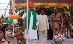 जनसम्पर्क और जल संसाधन मंत्री डॉ. नरोत्तम मिश्र ने दतिया में स्वतंत्रत ...