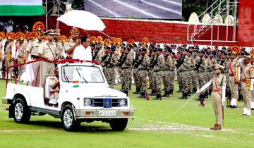 मुख्यमंत्री श्री कमल नाथ ने राज्य स्तरीय स्वंतत्रता दिवस समारोह परेड का निरीक्षण किया।