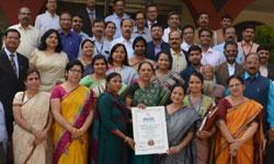 "राज्यपाल श्रीमती आनंदीबेन पटेल को आज राजभवन में ""पढ़े भोपाल"" कार्यक्रम  ..."