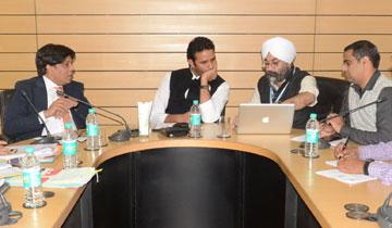 किसान कल्याण एवं कृषि विकास मंत्री श्री सचिन यादव ने बैठक में आवश्यक निर्देश दिये।#$55189