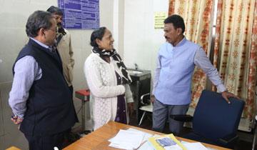 लोक स्वास्थ्य एवं परिवार कल्याण मंत्री श्री तुलसीराम सिलावट ने जे.पी. हॉस्पिटल का औचक निरीक्षण किया।#$55186