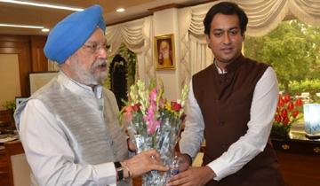 नगरीय विकास एवं आवास मंत्री श्री जयवर्द्धन सिंह ने केन्द्रीय शहरी और आवास मामलों के मंत्री श्री हरदीप सिंह पुरी से भेंट की।