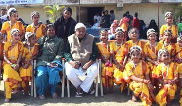 अल्पसंख्यक कल्याण मंत्री श्री आरिफ अकील भोपाल स्थित आरिफ नगर स्टेडियम में अखिल भारतीय खेल प्रतियोगिता के शुभारंभ समारोह में शामिल हुए।