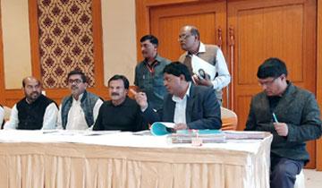 """लोक निर्माण मंत्री श्री सज्जन सिंह वर्मा ने निवाड़ी जिले के ओरछा में आयोजित होने वाले """"नमस्ते ओरछा"""" महोत्सव की तैयारियों की समीक्षा की।"""