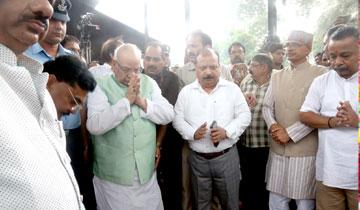 राज्यपाल श्री लालजी टंडन ने भोपाल के सुभाष नगर विश्राम घाट पहुँचकर प्रदेश के पूर्व मुख्यमंत्री स्वर्गीय श्री बाबूलाल गौर को भावभीनी अंतिम विदाई दी।