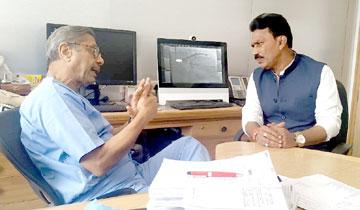 लोक स्वास्थ्य एवं परिवार कल्याण मंत्री श्री तुलसीराम सिलावट ने मेदान्ता हॉस्पिटल दिल्ली में डॉ. नरेश त्रिहान से राज्य में स्वास्थ्य सेवाओं के विस्तार पर चर्चा की।