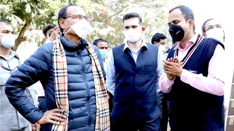 मुख्यमंत्री श्री शिवराज सिंह चौहान ने रायसेन रोड स्थित कोकता क्षेत्र में प्रधानमंत्री आवास योजना के निर्मित किए जा रहे आवास गृहों का निरीक्षण किया।
