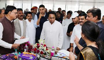 मुख्यमंत्री श्री कमल नाथ ने इंदौर में सरकार की नई निवेश नीति से प्रोत्साहित होकर स्थापित आशा कॉन्फेक्शनरी का अवलोकन किया।