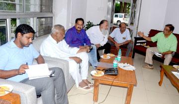 सूक्ष्म, लघु एवं मध्यम उद्यम मंत्री श्री आरिफ अकील से गोविंदपुरा इन्ड्रस्ट्रीज एसोसिएशन के पदाधिकारी मिले।