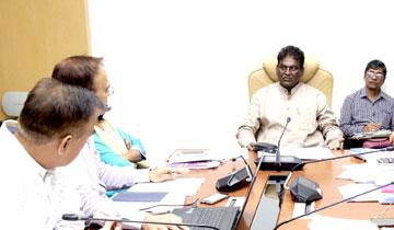 स्कूल शिक्षा मंत्री डॉ. प्रभुराम चौधरी ने मंत्रालय में स्कूल भवन निर्माण कार्यों की समीक्षा की।