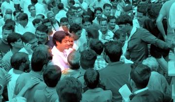 नगरीय विकास एवं आवास मंत्री श्री जयवर्द्धन सिंह ने राघौगढ़ में लोगो की समस्याएँ सुनी।