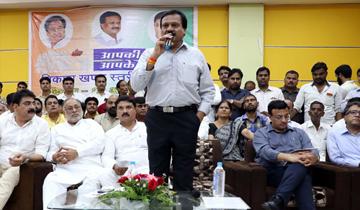 """लोक निर्माण मंत्री श्री सज्जन सिंह वर्मा ने देवास में आज """"आपकी सरकार आपके द्वार"""" शिविर को संबोधित किया।"""