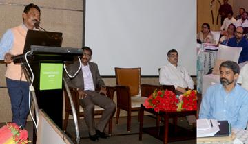 लोक स्वास्थ्य एंव परिवार कल्याण मंत्री श्री तुलसीराम सिलावट ने राइट बेस्ट आन एप्रोच टू हेल्थ पर आयोजित कांफ्रेंस को संबोधित किया ।