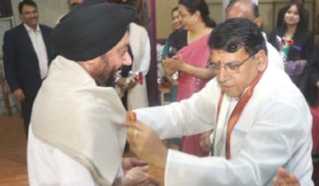 जनसम्पर्क मंत्री श्री पी.सी. शर्मा ने रोज मैरी स्कूल द्वारा आयोजित कार्यक्रम में शिक्षकों को सम्मानित किया।